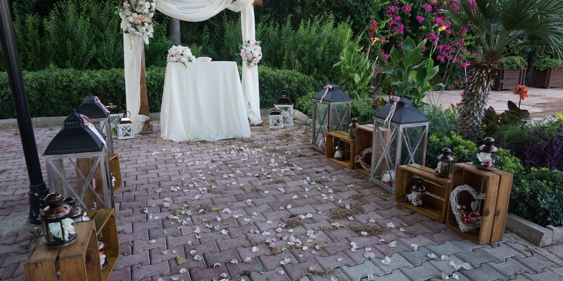 Our Company Can Offer You Autumn Themed Wedding In Antalya