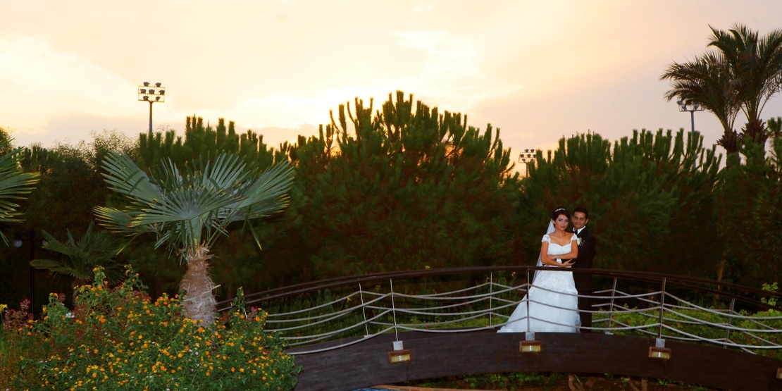 Traditional Iranian Weddings At Hotel Beach in Antalya