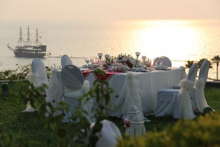 best wedding ceremony near sea