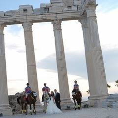 Wedding In Apollon Temple