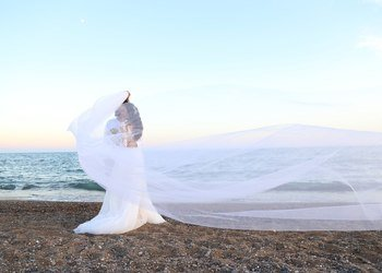 Wedding photo session at the beach