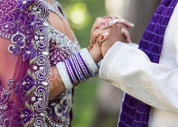Indian-Wedding-bride-groom-holding-hands