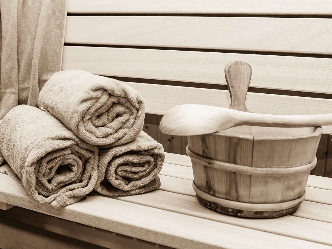Differences Between Sauna and Steam Room